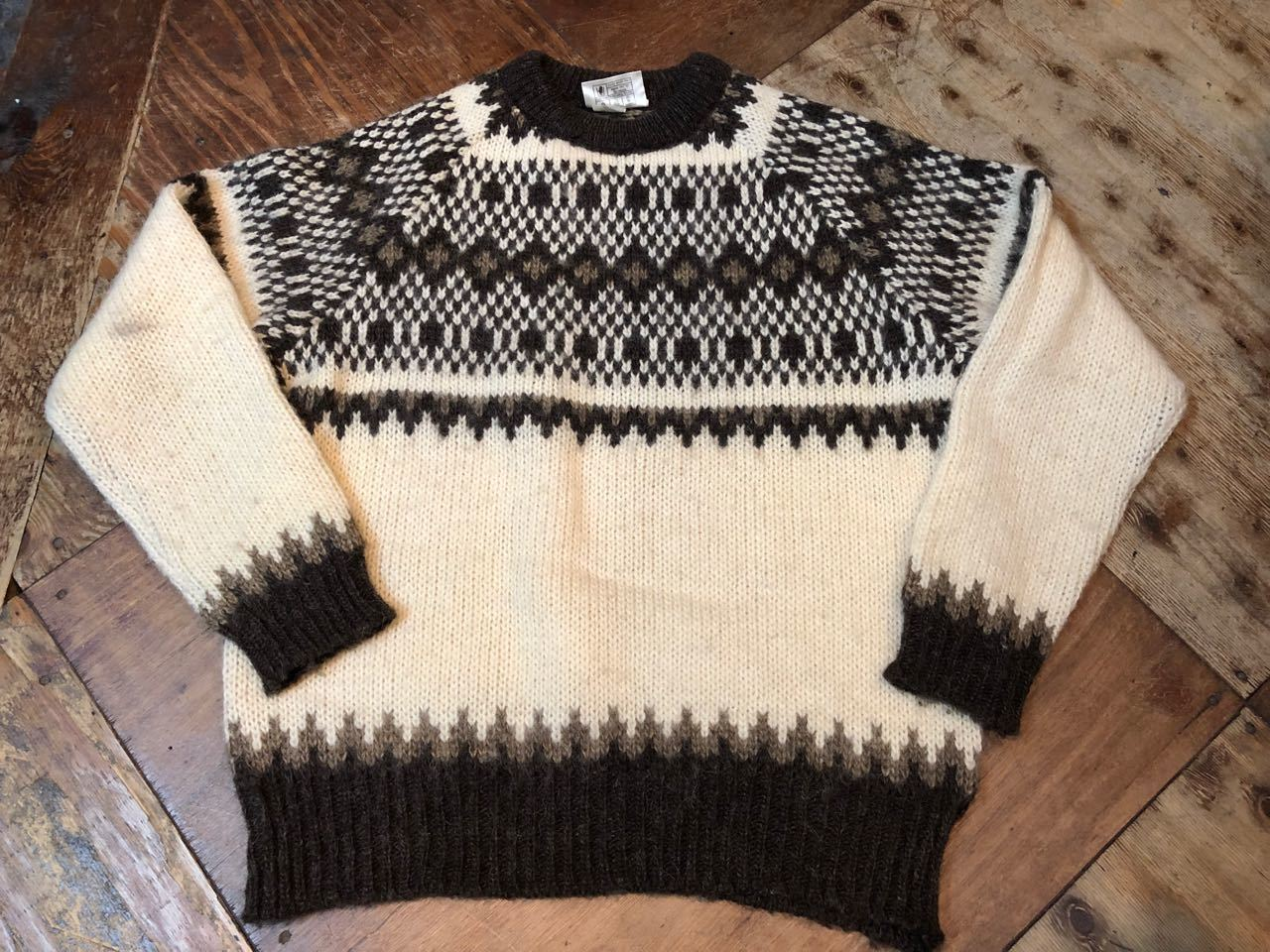 MADE IN GREAT BRITAIN  WOOL セーター_c0144020_14231897.jpg