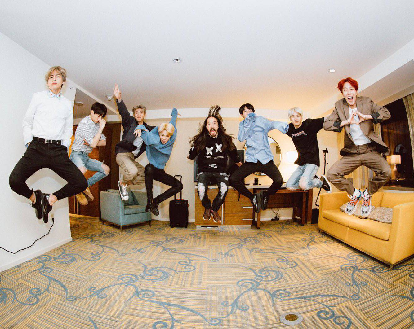 [EN] Steve Aoki – Waste It On Me Remixes [feat. BTS]_b0078188_21504226.jpg
