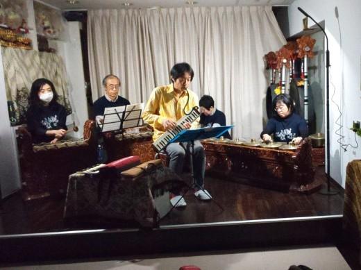 満員御礼スタジオライブ 鍵盤ハーモニカそしてガムラン_e0017689_21381068.jpg