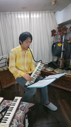 満員御礼スタジオライブ 鍵盤ハーモニカそしてガムラン_e0017689_21563834.jpg