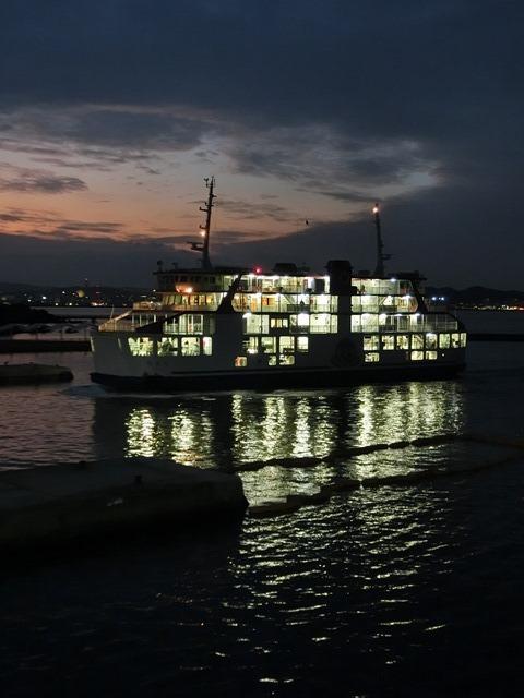 鹿児島の旅@NHK大河ドラマ西郷どんを終了日曜日が寂しい、鹿児島を旅行城山と桜島の間に錦江湾、それは神様からの贈り物だ_d0181492_23371012.jpg
