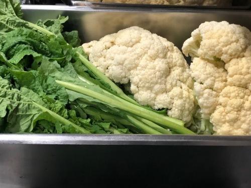 クリスマスが終わりひと段落  しかし野菜達はどんどん成長中・・気温下がってもっともっと美味しくなってきます_c0222448_13555300.jpg