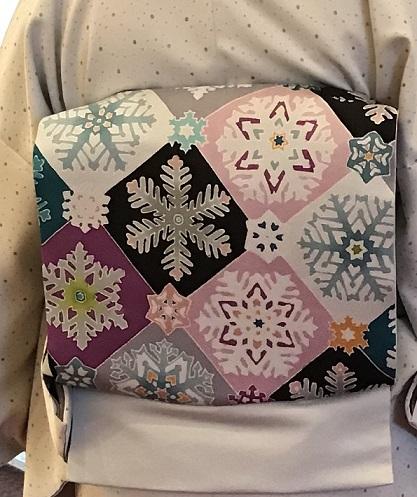 クリスマス会・久子様・御召に雪の結晶染め帯・鶴のバッグ_f0181251_112018100.jpg