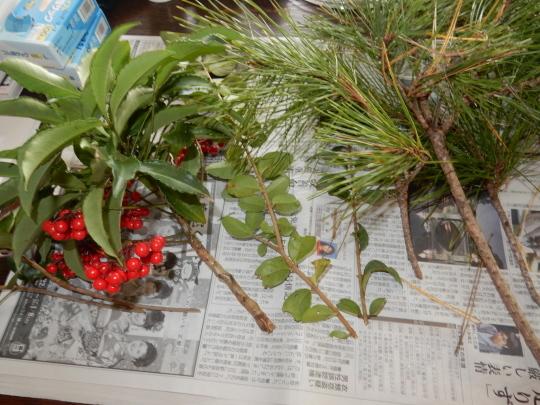 '18,12,27(木)お正月の花活けと頭痛から回復!_f0060461_10425871.jpg