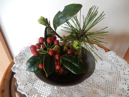 '18,12,27(木)お正月の花活けと頭痛から回復!_f0060461_10463330.jpg