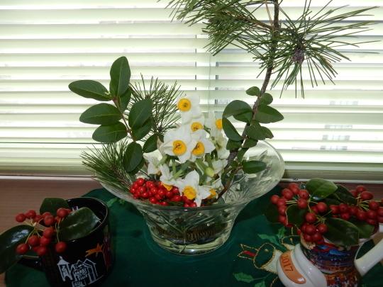 '18,12,27(木)お正月の花活けと頭痛から回復!_f0060461_10484140.jpg