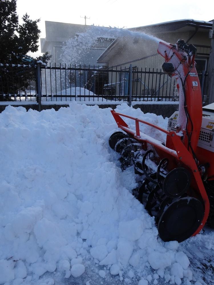 今日は除雪から_c0111229_18520120.jpg
