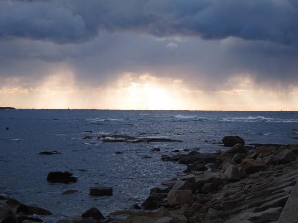 風が強めな白浜です。。_f0164662_16012182.jpg