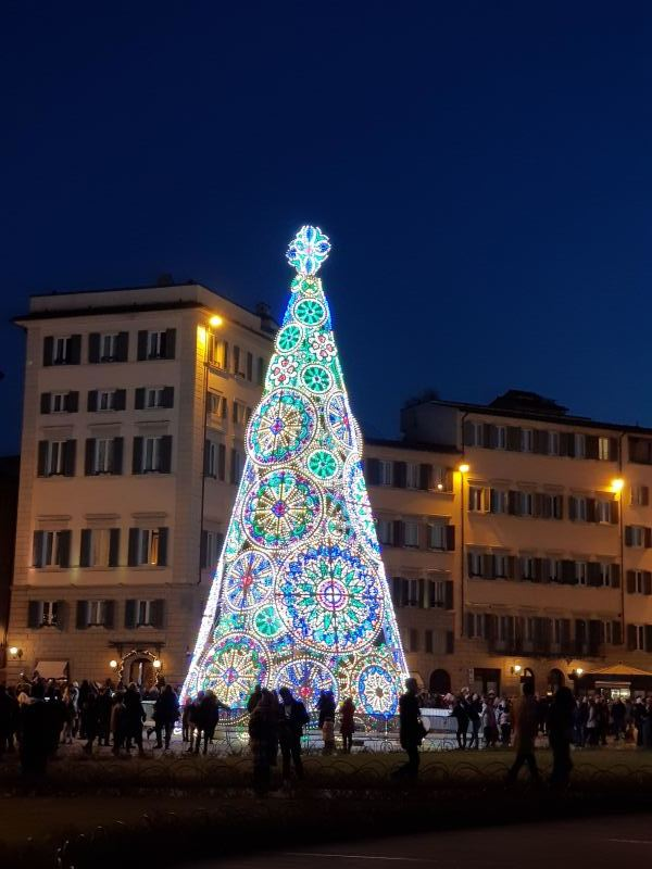 クリスマス返上 ピサ仮オフィスも営業中_d0346364_01505788.jpg