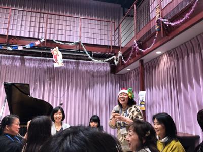 作曲家春畑セロリ先生の「妄想ピアノ部」のクリスマスパーティー_c0106100_08514226.jpg