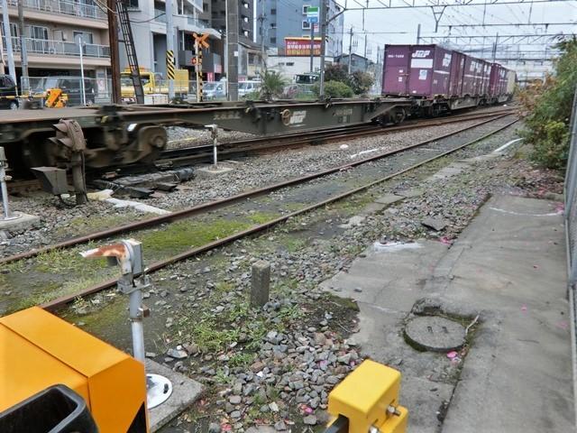 藤田八束の鉄道写真@鹿児島駅貨物列車の写真、長い旅を終えた貨物たちが最南端のこの鹿児島貨物ターミナルに到着_d0181492_11495661.jpg