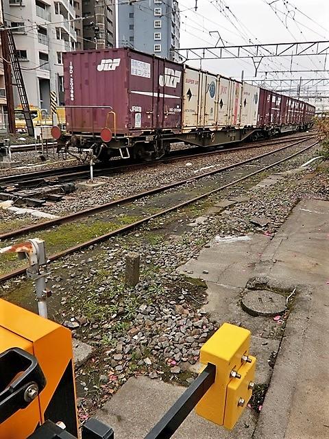 藤田八束の鉄道写真@鹿児島駅貨物列車の写真、長い旅を終えた貨物たちが最南端のこの鹿児島貨物ターミナルに到着_d0181492_11500903.jpg