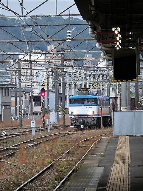 藤田八束の鉄道写真@鹿児島駅貨物列車の写真、長い旅を終えた貨物たちが最南端のこの鹿児島貨物ターミナルに到着_d0181492_12060515.jpg