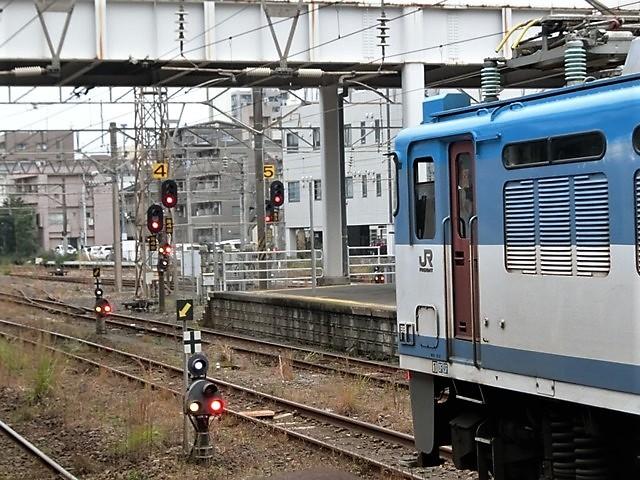 藤田八束の鉄道写真@鹿児島駅貨物列車の写真、長い旅を終えた貨物たちが最南端のこの鹿児島貨物ターミナルに到着_d0181492_12065639.jpg