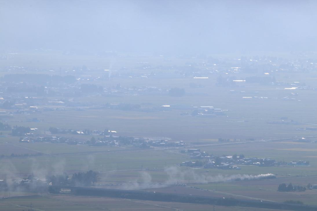 朝靄に煙が残る風景 - 2018年・奥羽本線 -_b0190710_16522726.jpg