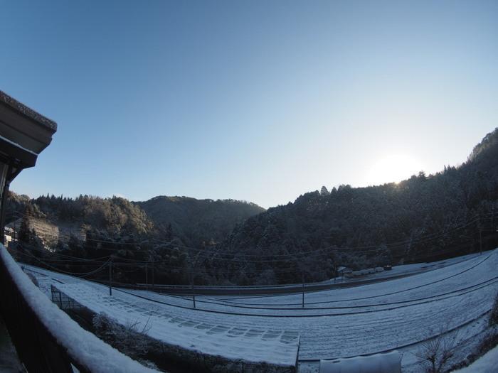 今朝も雪景色_c0116915_23501173.jpg
