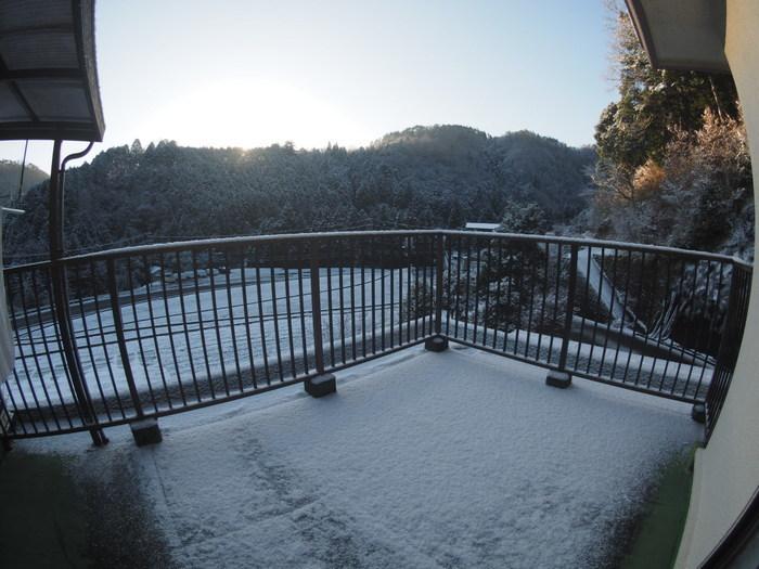 今朝も雪景色_c0116915_23502256.jpg