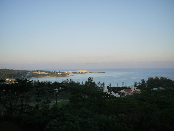 沖縄ぎりぎり旅行5「快晴の朝にはエッグベネディクト」_e0359436_09091162.jpg