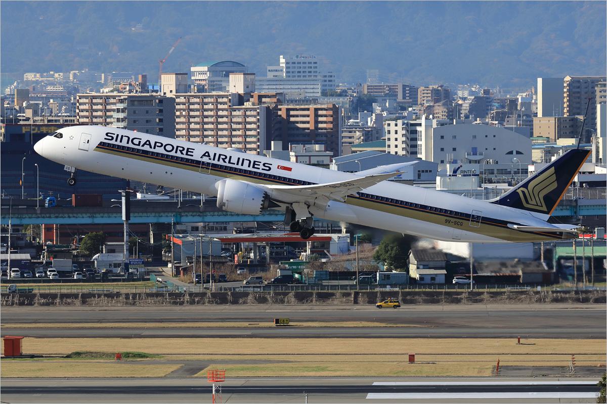 新しい期待 - 福岡空港_c0308259_00082449.jpg