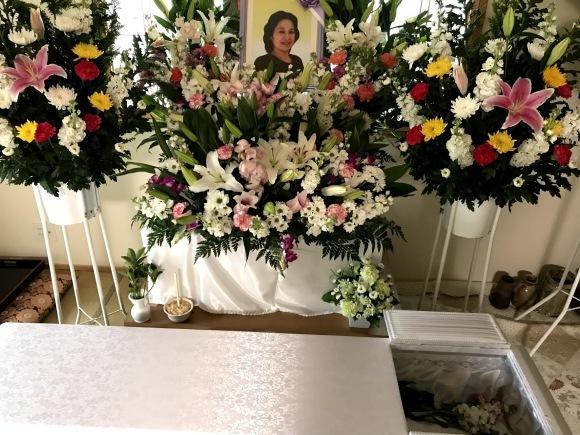 和枝の乳がんの経過とツイートテレビの今後、そして和枝のトラウマ(告白動画つき)!お墓もできました!_e0069900_00001409.jpg