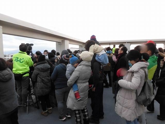 元旦は曇り空から快晴に! 今年の富士市もあやかりたい!in市役所屋上の「富士山ミエルラ」_f0141310_07592637.jpg