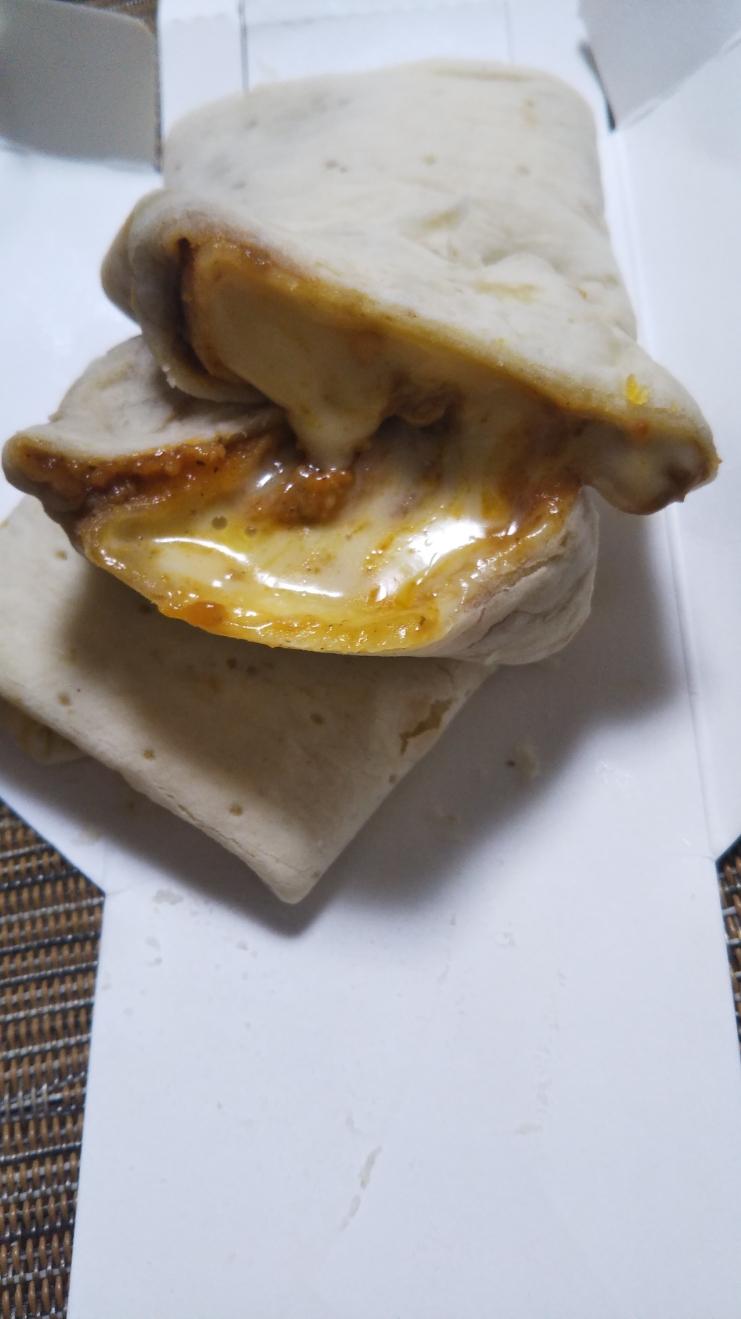 セブンイレブン ブリトー 2種チーズのラザニアソース_f0076001_2164714.jpg