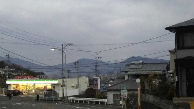 雲が多めの2日_e0094315_07162694.jpg