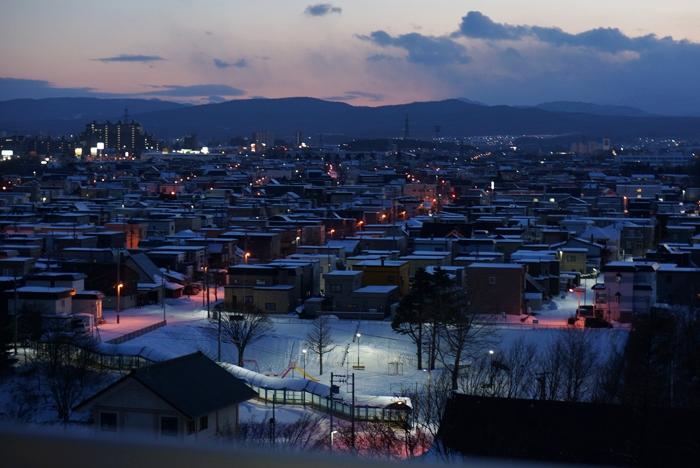雪の降らない正月とナトリウムランプの街灯_c0182775_1725067.jpg