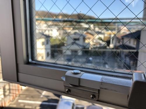 狭小住宅に住んでみた22「こだわりの窓掃除 ~大開口、滑出し・片開き窓編2~」_e0028417_12524586.jpeg