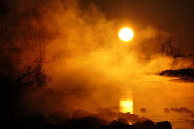 多摩川の日の出と川霧_f0173596_08352996.jpg