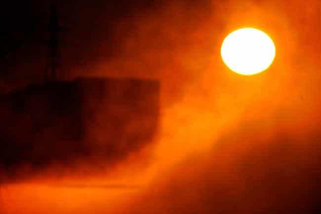 多摩川の日の出と川霧_f0173596_08365856.jpg