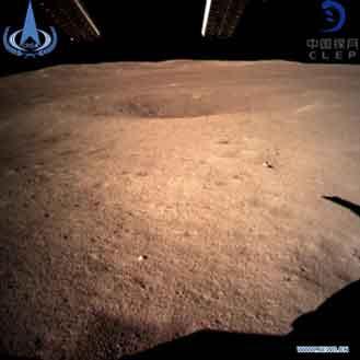 『中国の探査機、世界初「月の裏側」着陸』/  動画_b0003330_152248.jpg