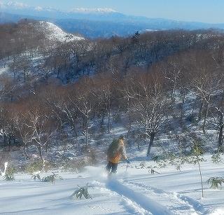 雪不足の大日_e0064783_22011719.jpg