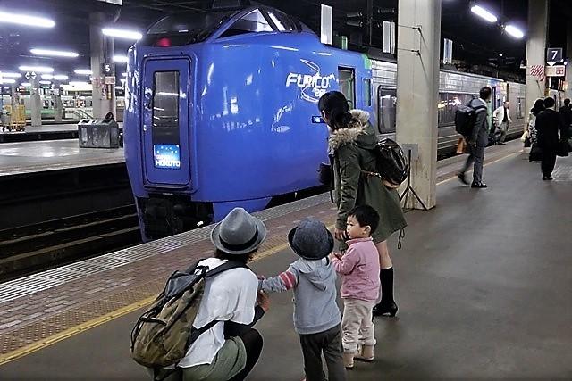 藤田八束の鉄道写真@消えていった寝台特急列車たち・・・何故こんなにも沢山の特急寝台がスクラップになるのか、もっと知恵を使って欲しい_d0181492_16194380.jpg
