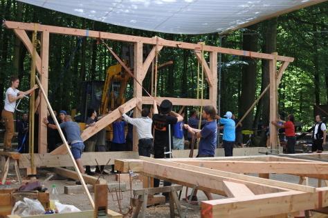 ヨーロッパの木造建築のナナメ材_a0157159_11534362.jpg