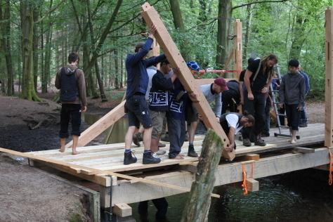 ヨーロッパの木造建築のナナメ材_a0157159_12182073.jpg