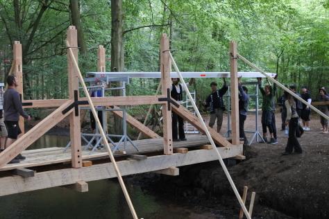 ヨーロッパの木造建築のナナメ材_a0157159_12185619.jpg