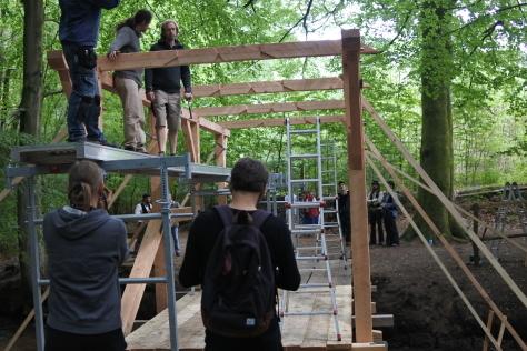 ヨーロッパの木造建築のナナメ材_a0157159_12221937.jpg