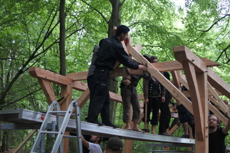 ヨーロッパの木造建築のナナメ材_a0157159_16232355.jpg