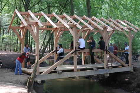 ヨーロッパの木造建築のナナメ材_a0157159_16242364.jpg