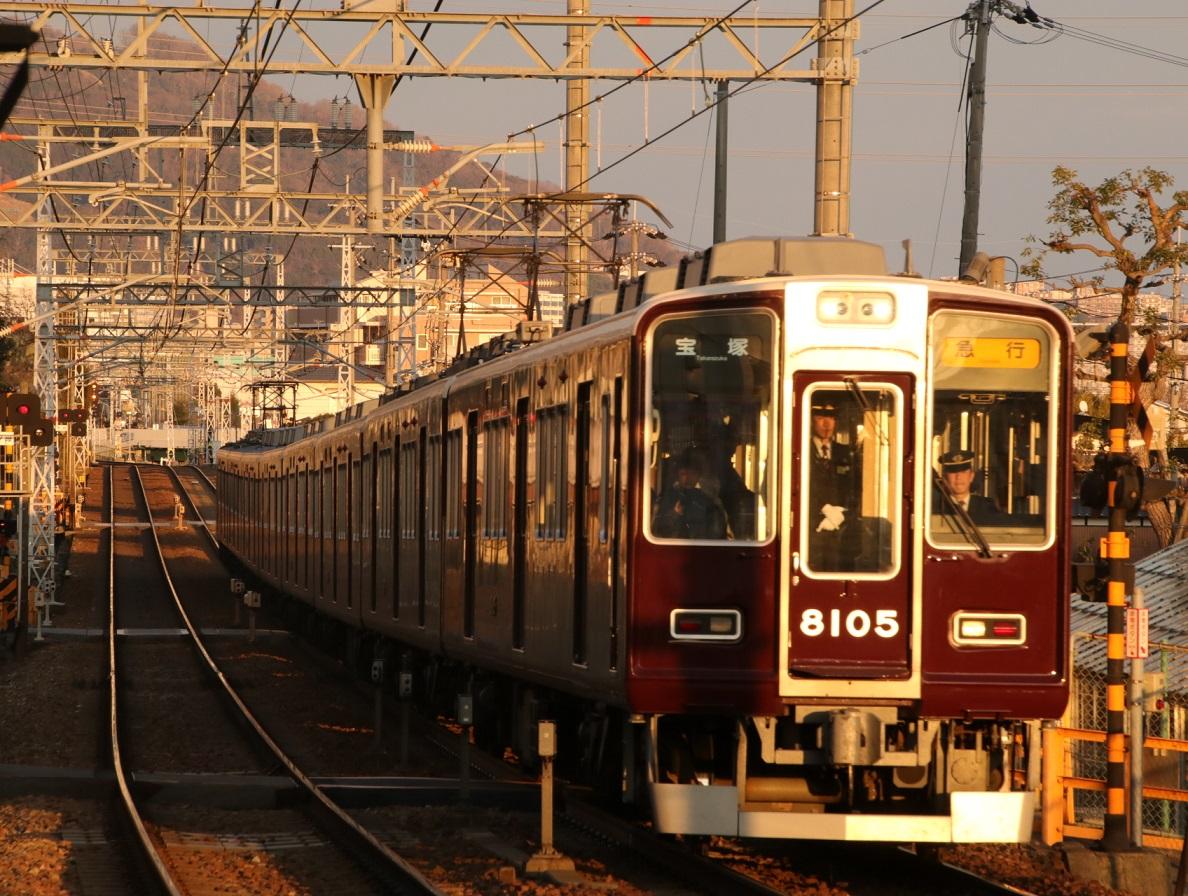 阪急8005F 夕陽_d0202264_17242475.jpg