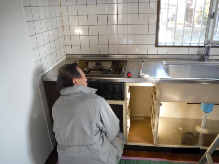 キッチン取替え ~ 古いキッチン取外し。_d0165368_06162264.jpg