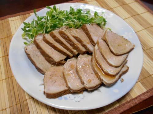 自家製焼き豚&大根とツナと豆苗のサラダ_f0019498_20382550.jpg