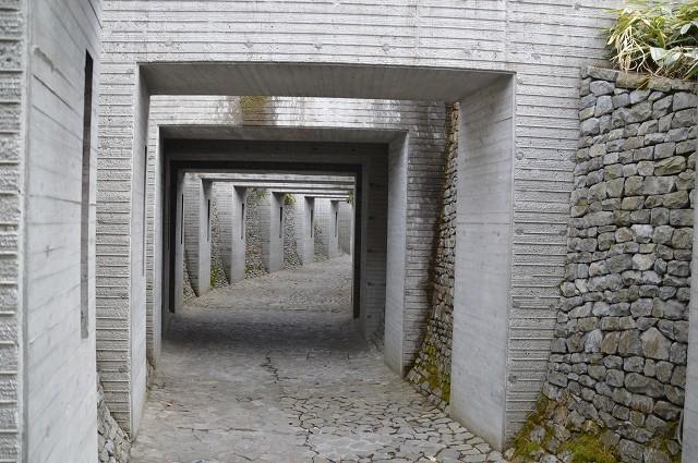 冬の軽井沢④:石の教会_c0124100_10500193.jpg
