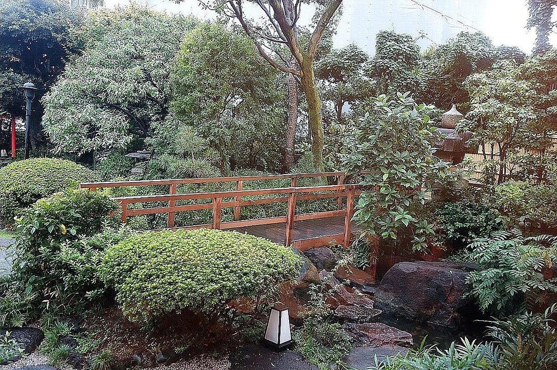がんこ新宿山野愛子邸_c0112559_07492513.jpg