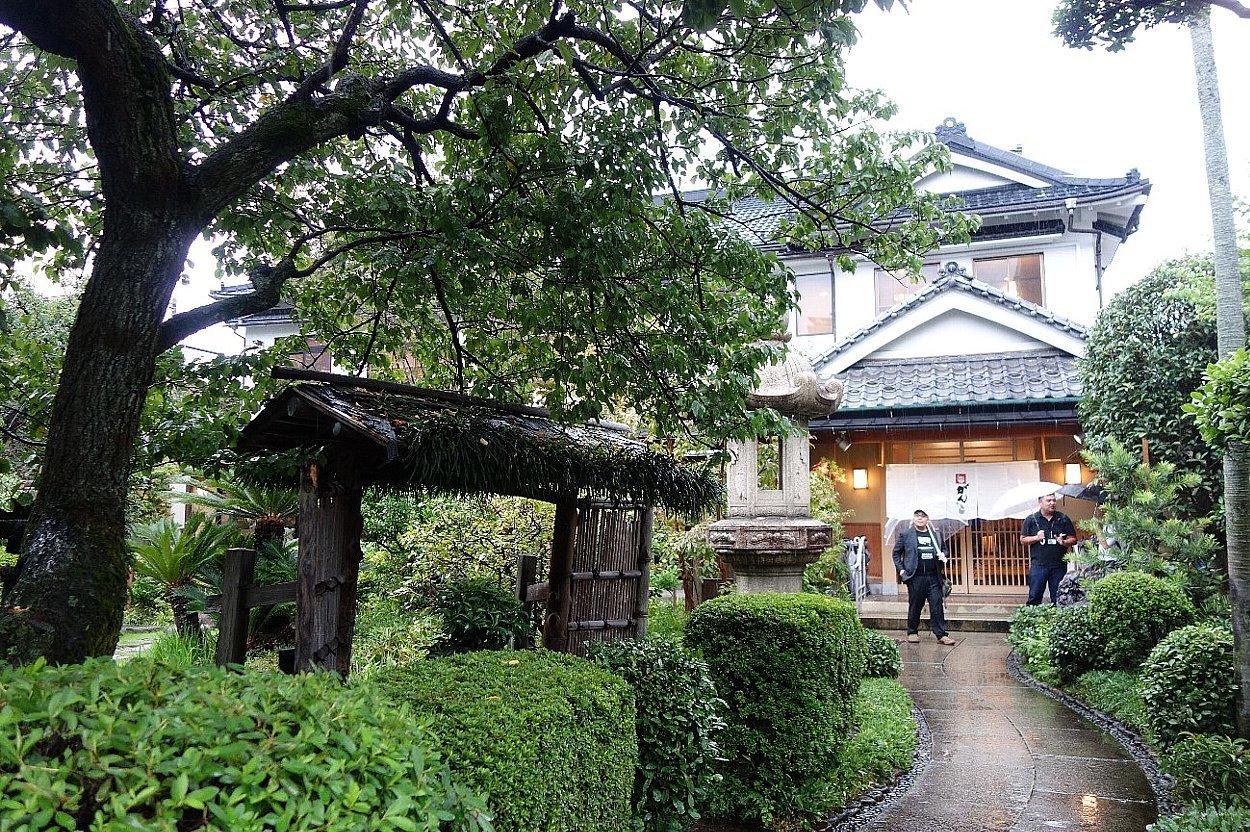 がんこ新宿山野愛子邸_c0112559_07561902.jpg