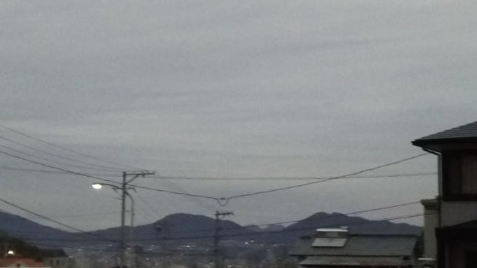 寒い曇りの朝_e0094315_12240740.jpg