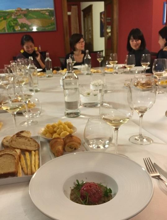 教室ツアーin Piemonte4日目④ お腹いっぱいだけど豪華ディナー。_d0041729_15052503.jpg