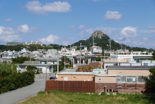 海界の村を歩く 東シナ海 伊江島_d0147406_19120350.jpg