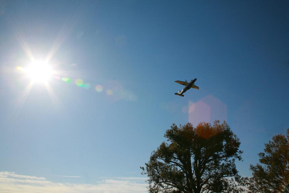 飛行機の見える公園 後半_e0165983_11283918.jpg